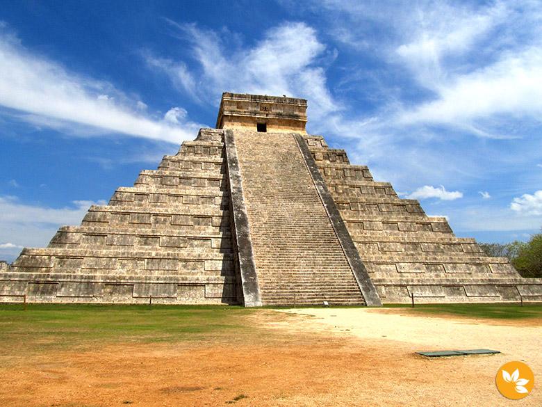 Conheça uma das sete maravilhas do mundo: Chichén Itzá!