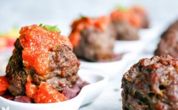 Almôndegas de Carne com Molho de Tomate e Feijão Vermelho