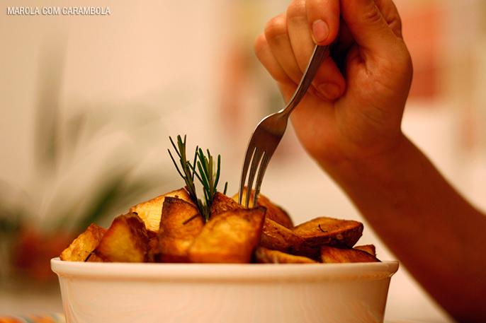 Batatas picantes assadas com alecrim