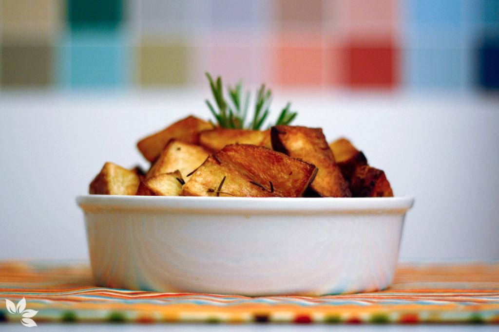 Batatas picantes com alecrim