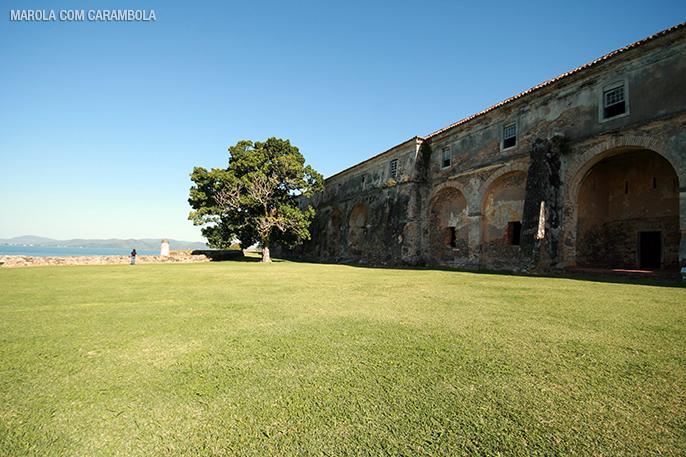 Paisagem na Ilha Anhatomirim em Florianópolis