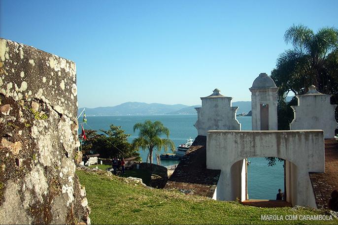 Vista da ilha Ratones Pequeno