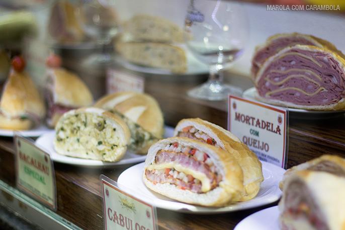 Clássico sanduíche de Mortadela