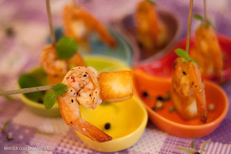 Receita de camarões no azeite com cubinhos de queijo coalho