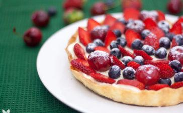 Torta de frutas vermelhas com cardamomo