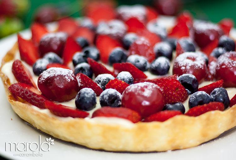 Torta de frutas vermelhas com cardamomo e massa folhada - Receita de Ano Novo