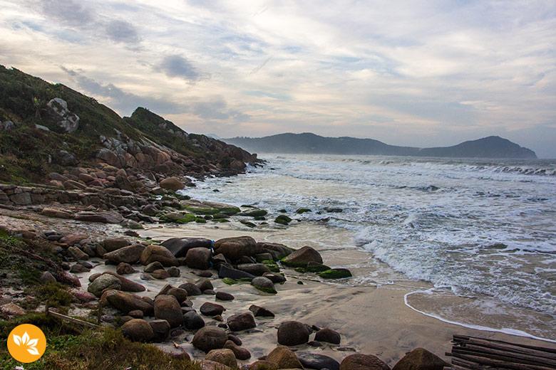 A praia que encanta em qualquer época do ano