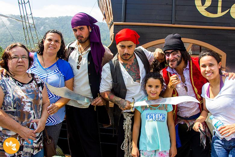 Passeio de Barco Pirata em Balneário Camboriú - Família