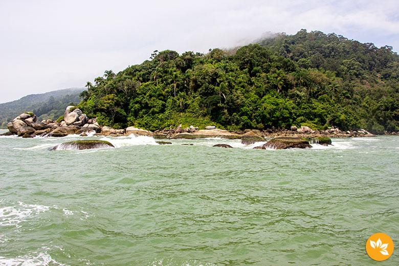 Ilha das Cabras - Passeio de Barco Pirata em Balneário Camboriú