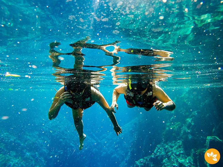 Amanda e Eloah curtindo a Lago a Misteriosa