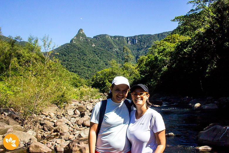 Início da Trilha do Rio do Boi - Eloah e Amanda