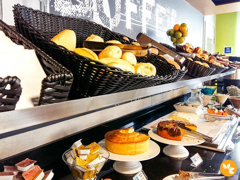 Café da Manhã do Ibis Frei Caneca