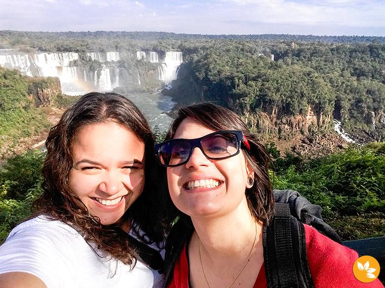 Eloah e Amanda nas Cataratas do Iguaçu - Brasil