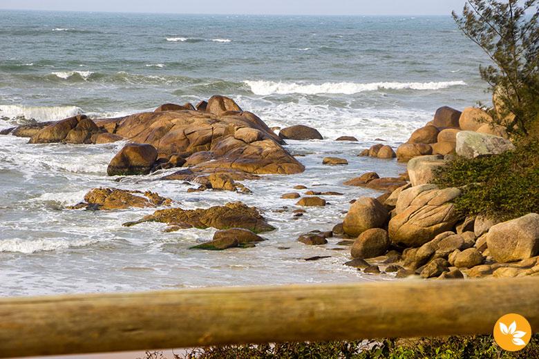 Surf é uma das grandes atrações do destino