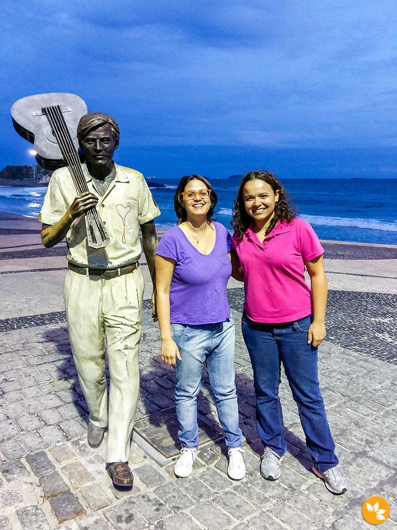 Estátua do Tom Jobim na orla de Ipanema
