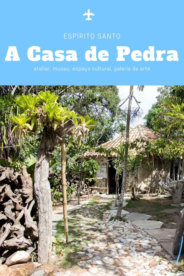 A Casa de Pedra é uma mistura de atelier, museu, espaço cultural, galeria de arte. Do artista Neusso, é considerada patrimônio turistico do Espírito Santo.