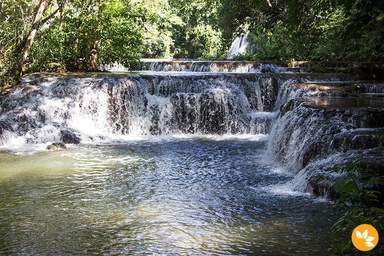 Trilha e cachoeiras na Estância Mimosa