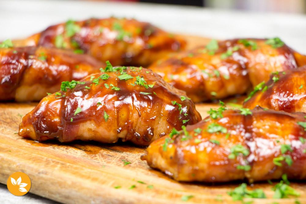 Receita de Filé de Frango com Bacon e molho barbecue