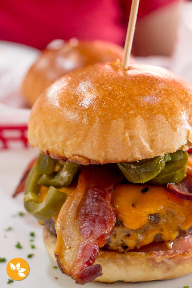 Big Kahuna Burger - Hambúrgueria em São Paulo - Macho Nacho Hot