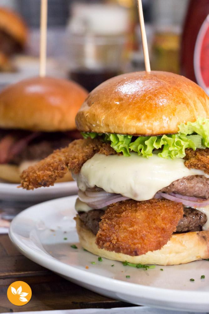 Big Kahuna Burger - Hambúrgueria em São Paulo - Jules Winnfiels