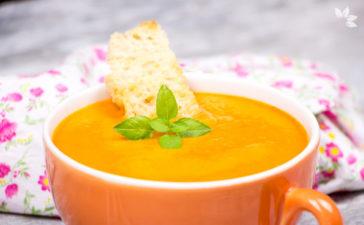 Receita de Sopa de Tomate Assado