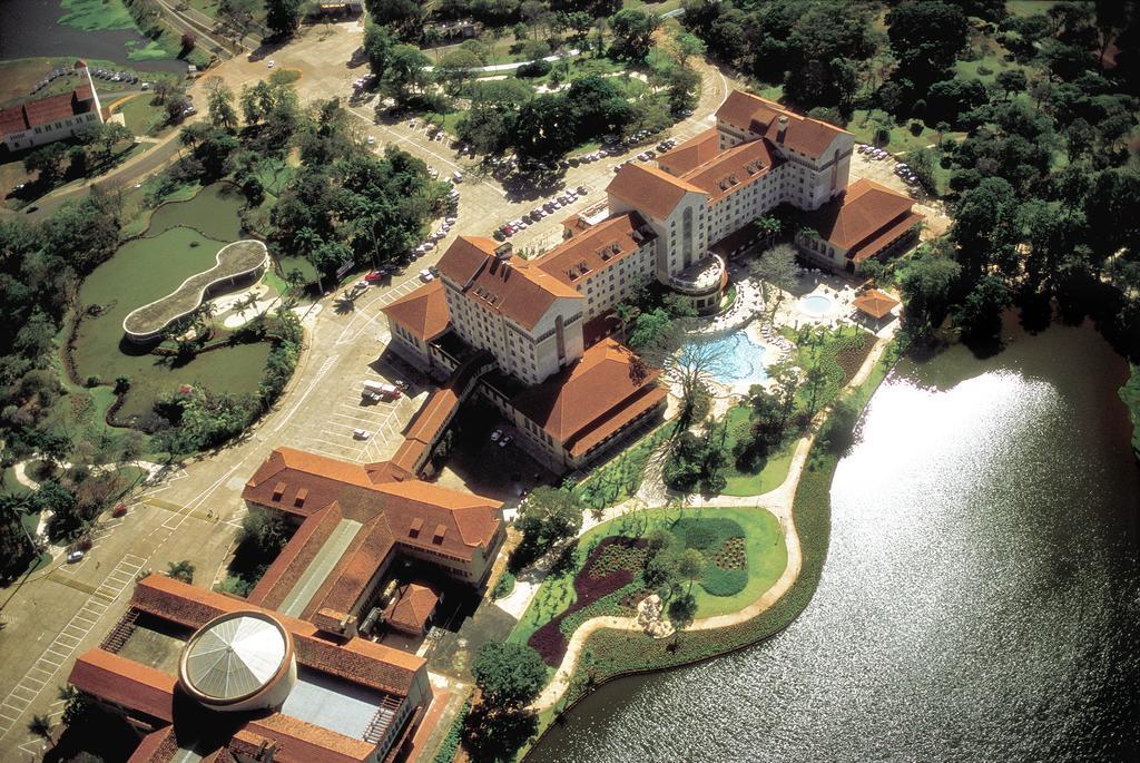Águas Termais no Tauá Grande Hotel em Araxá - MG
