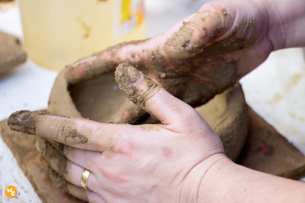 Paneleiras de Goiabeiras - Faça sua própria panela de barro