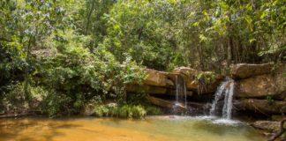 A Cachoeira da Raizama é um lugar perfeito para para relaxar em piscinas e hidromassagens naturais.