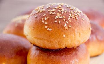 Receita de pão de hambúrguer caseiro super macio