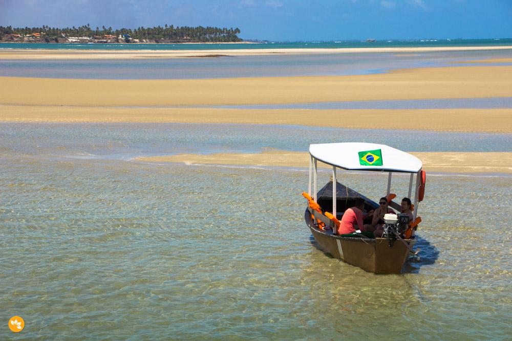 Piscinas Naturais em alto mar da Praia dos Carneiros