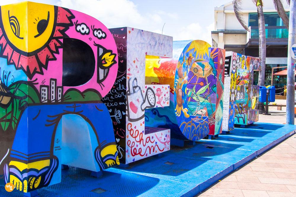 Letras com o nome de Recife na Praça Rio Branco