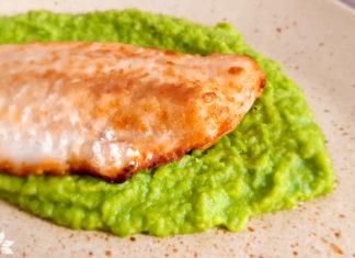 Receita de Filé de Pescada Frita com purê de ervilha