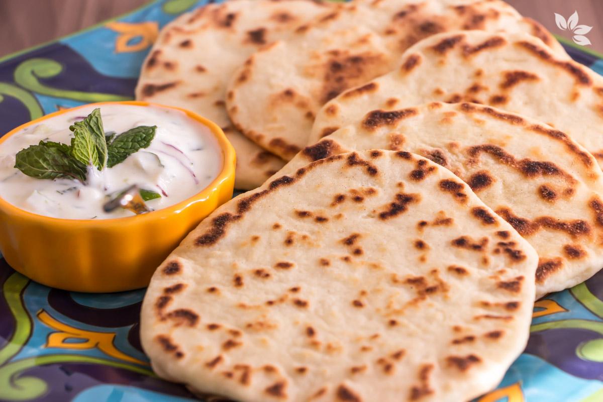 Receita de Pão Naan - Pão indiano de frigideira