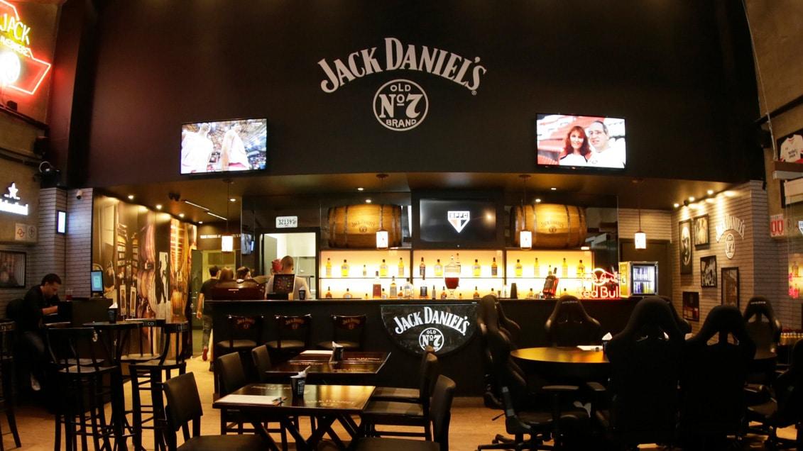 Pub Sports Bar: ambiente descontraído com direito a poker