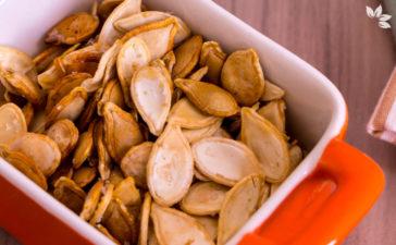 Como fazer sementes de abóbora assada