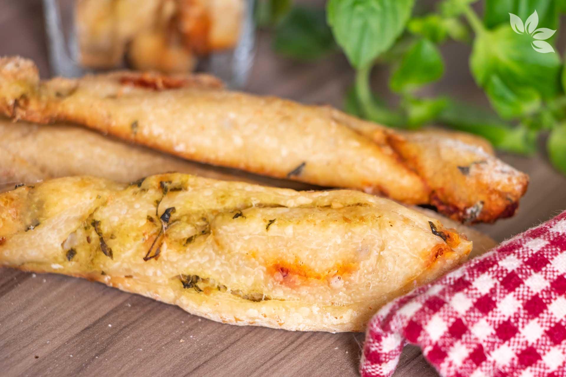 Receita de Grissini Caseiro com fermento natural de pesto com tomate seco